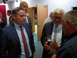 Tantows Bürgermeister im Gespräch mit Minister Steinmeier und MdB Zierke (Bild ASC)