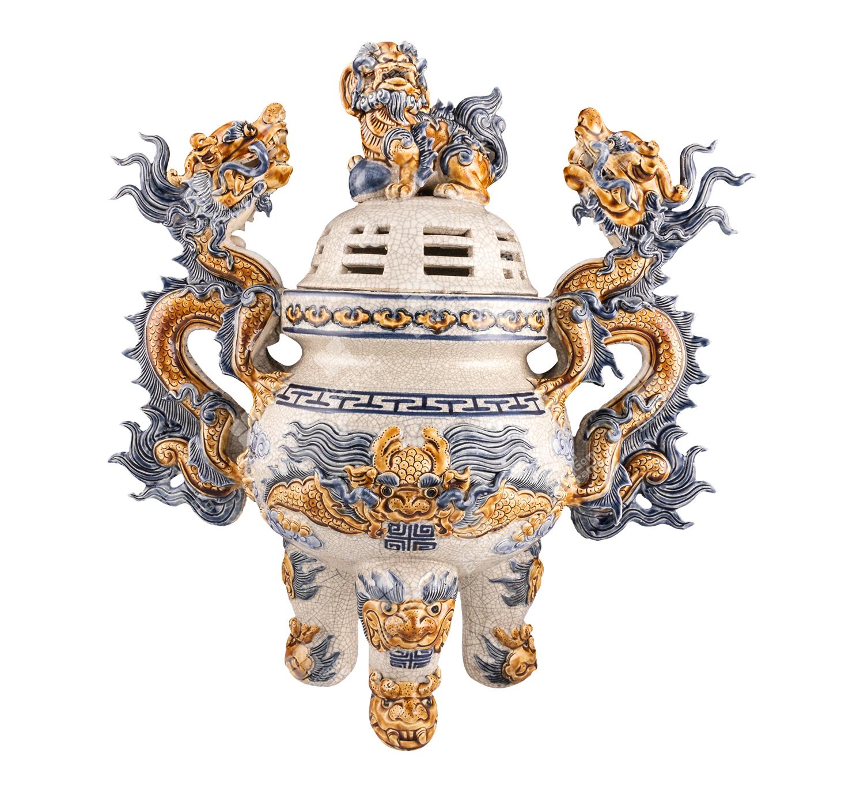 Bat Trang Ceramic Incense Diffuser. Photo credit xuonggombattrang.vn
