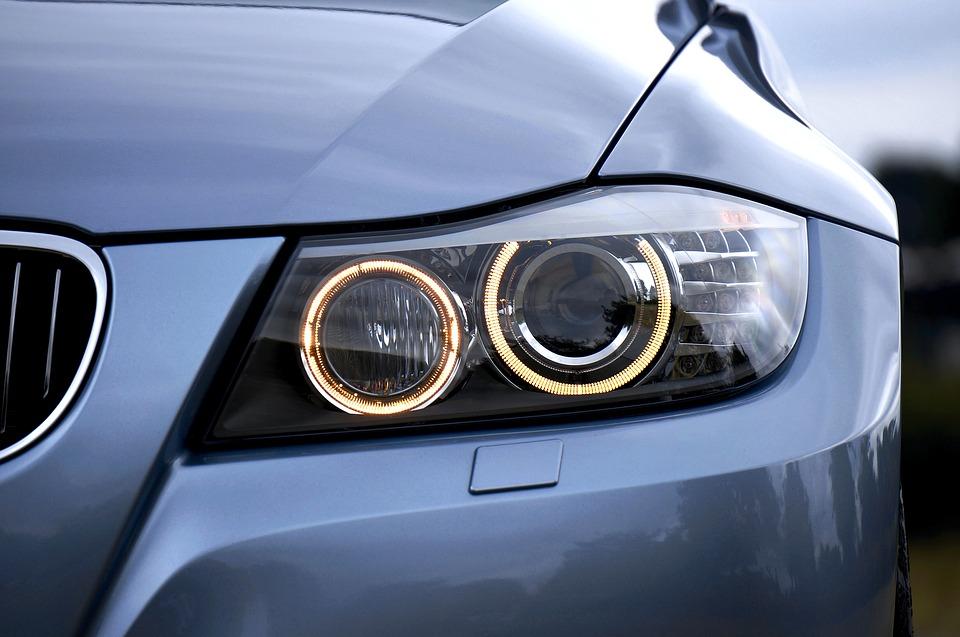 https://pixabay.com/photos/headlight-bmw-auto-automobile-car-2459090/