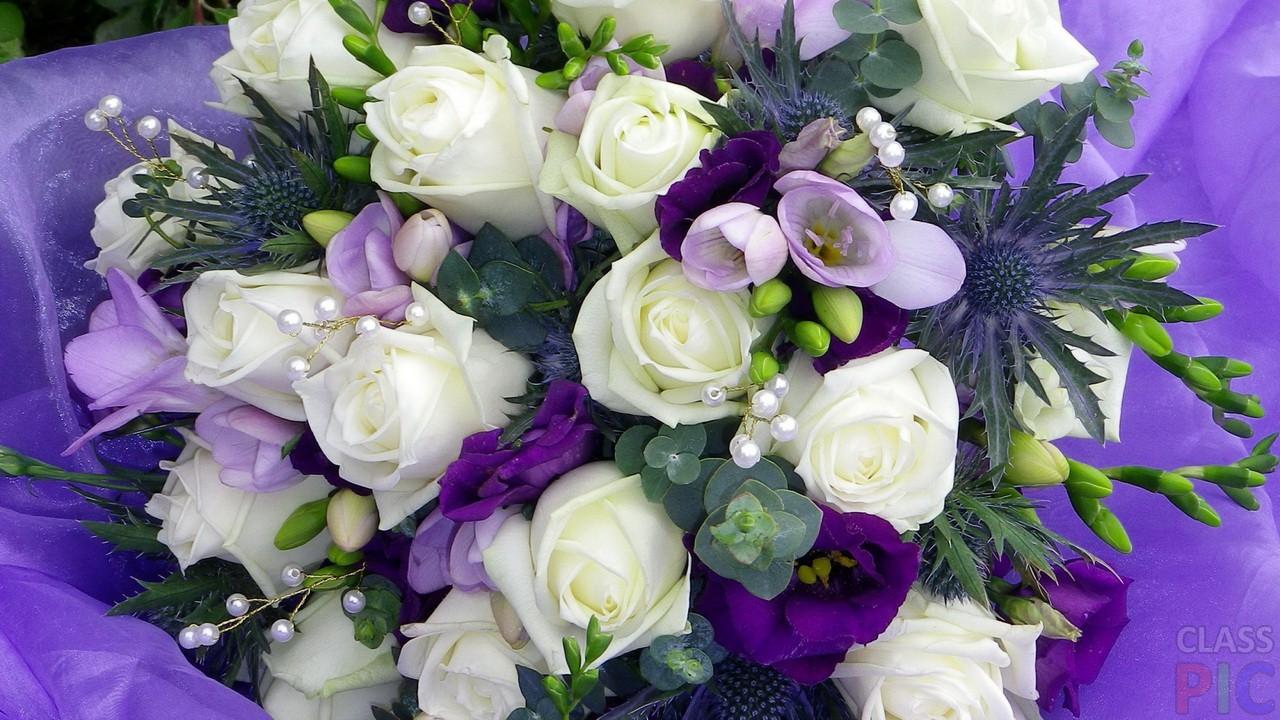Сочетания цветов с белыми розами