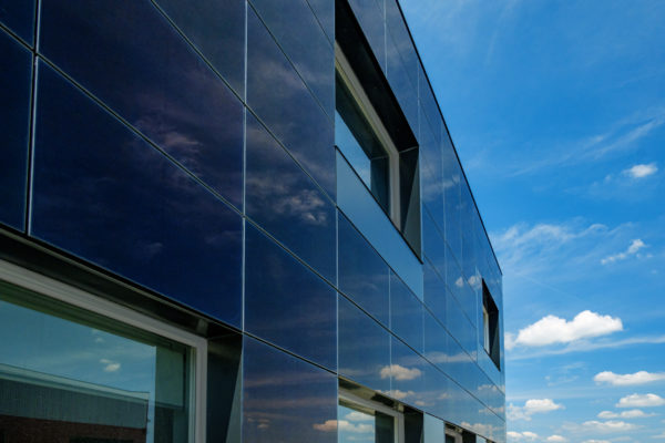 CdTe facade solar panel with 18.2% efficiency – pv magazine International