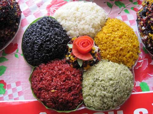 Xôi ngũ sắc món ăn nổi tiếng của Sapa