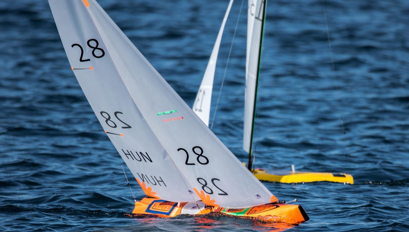 best-superyacht-toys-remote-control-sailboat