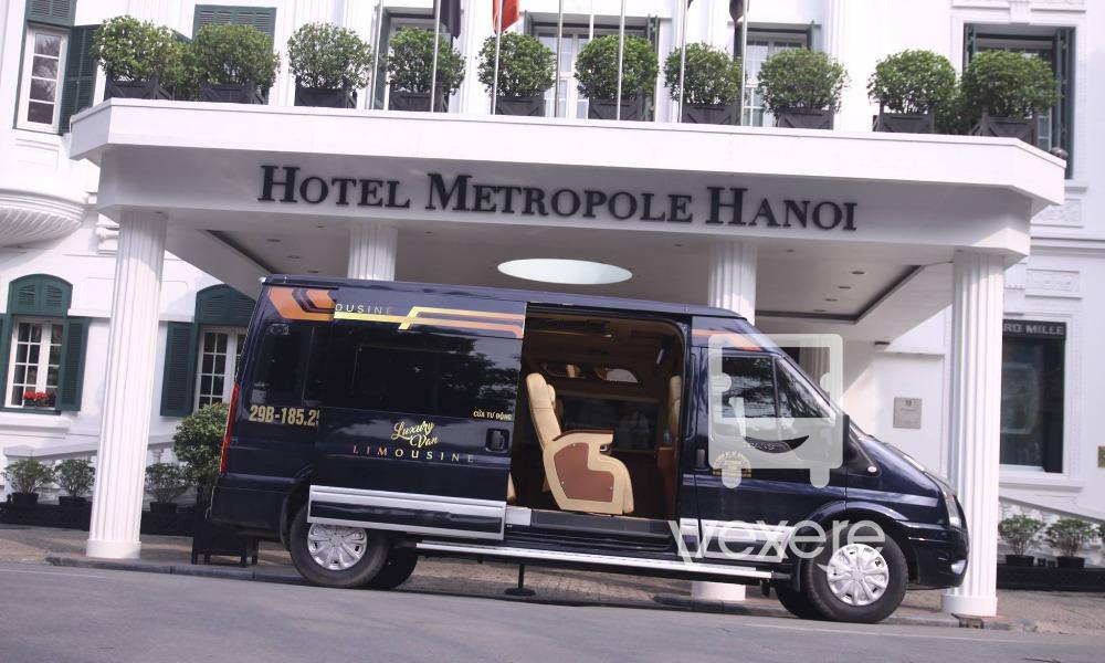Xe limousine đi Sapa từ Hà Nội: Luxury Van