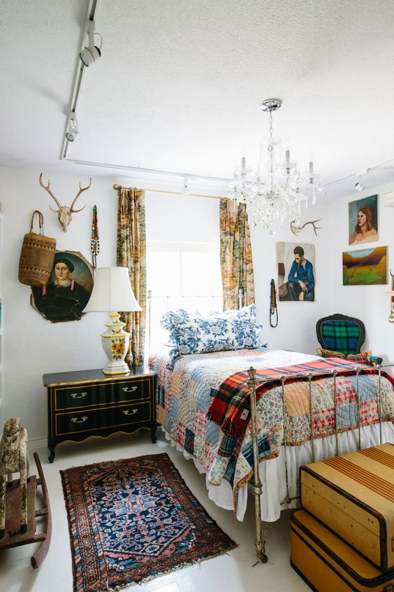 Mix and Match Patterns on Your Bedroom's Interiors