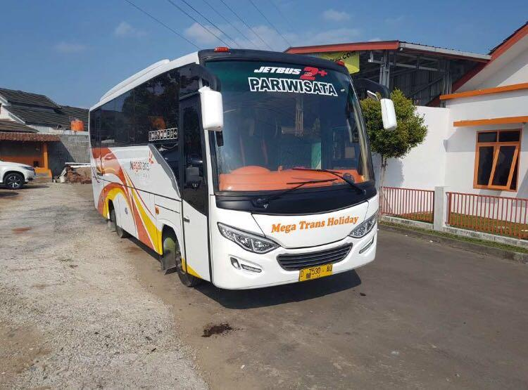 jasa sewa bus pariwisata PO mega trans indonesia
